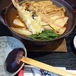 うどん忠兵衛 - 料理写真:味噌煮込みうどん海老入り