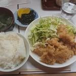 季節料理 西田 - 若鶏一口かつ定食¥600-