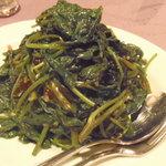 月苑飯店 - 青菜のオイスターソース炒めは、チンゲンサイかクウシンサイかを選べます。