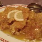 月苑飯店 - 鶏のレモン蜂蜜ソース、こういう甘辛のソース好きなのです。