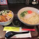 北谷食堂 - 沖縄そばミニラフテ-丼とのセット