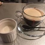 ワインアンドグリル タクト - セットのプチデザートとコーヒー