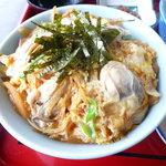 厚岸海産 - 牡蠣の親子丼のアップ