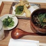 石臼挽き蕎麦 あずみ野 - 天ぷら蕎麦(ハーフ)900円全景