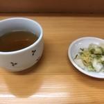 とんかつ山家 - お茶とお新香