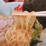 山岡家山形西田店 - 麺アップ