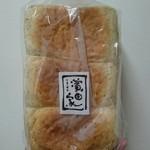 99954228 - 全粒粉食パン1,5斤¥570