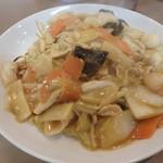 中華料理ぼん天 - 料理写真:五目あんかけ焼そば¥880
