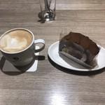 プロント - コーヒー   ロールケーキ