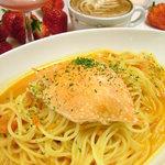 カフェ ド アミアン - 渡り蟹のトマトクリームソース  パスタはもちもちの自家製麺