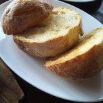 木もれ陽のテラス - ハンバーグセットのパン スープも付いてます