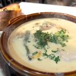 クワトロチンクエ - あさりと白身魚のホワイトシチュー