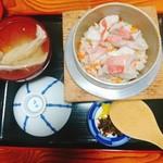 釜飯 初音 - 料理写真: