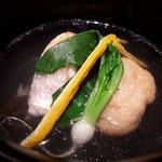 99965752 - 白甘鯛とレンコンのお椀 高級魚白甘鯛、うま味が違います。また出汁も秀逸✨✨