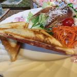 メイ カフェ - 料理写真:ホットサンド(サラダ付き)