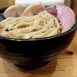 極麺 青二犀 - 「さばしおつけ麺(大盛330g)」+「豚タンレアチャーシュー」×2枚