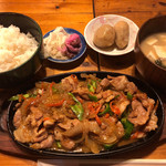 いっぴんしゃん - 料理写真:豚スタミナ定食