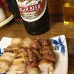 三吉 - 瓶ビールと焼鳥