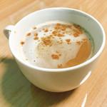 カフェ・ルート66 ROY's cafe - カプチーノのシナモンフリフリ