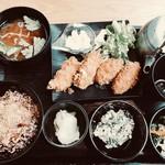 24/7 cafe apartment - 各フライ定食、ご飯だけアップグレード