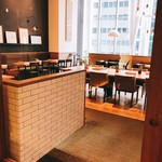 24/7 cafe apartment - 開店前のお店の入り口
