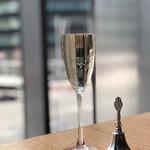 24/7 cafe apartment - スパークリングワインで乾杯