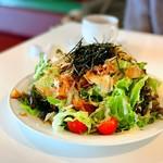ポケット - 揚げ湯葉と揚げ野菜のシーザーサラダ