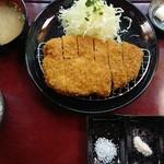 とんかつ 粟島 - 料理写真:『国産ロースかつ定食 ラージ(税込み1600円)』