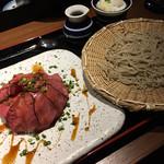 99987078 - ローストビーフ丼とお蕎麦のセット980円