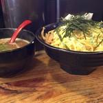 村田屋 - つけ汁&麺 横から器デカイです