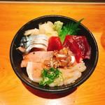 鮮魚・お食事処 山正 - 料理写真:五色丼